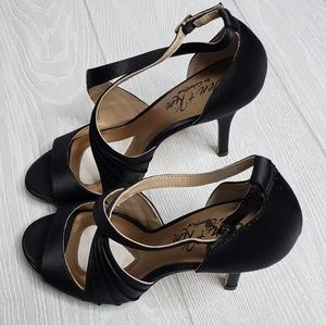 8d42e1ed5 Coloriffics Jen + Kim Black Satin Heels Size 8M